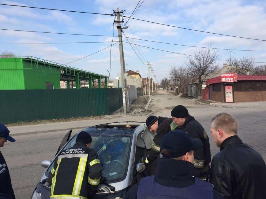 Избегая столкновения: на Янтарной перевернулся Smart (ФОТО), фото-1
