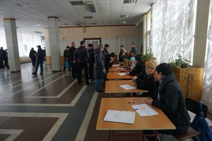 В Каменском решили продолжить неудачно начавшийся отзыв депутата Сергея Коваленко, фото-1