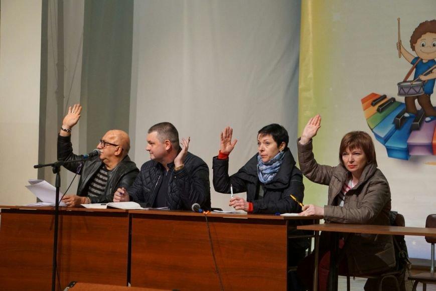 В Каменском на собрании по отзыву депутата участников регистрируют из-под полы (Добавлено), фото-3