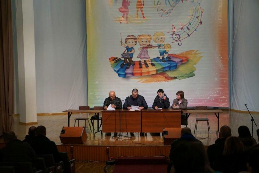 В Каменском на собрании по отзыву депутата участников регистрируют из-под полы (Добавлено), фото-2