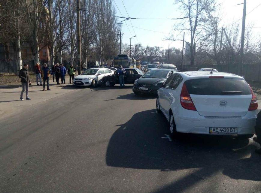 Массовое ДТП: в Днепре ВАЗ снес на своем пути два автомобиля, фото-2