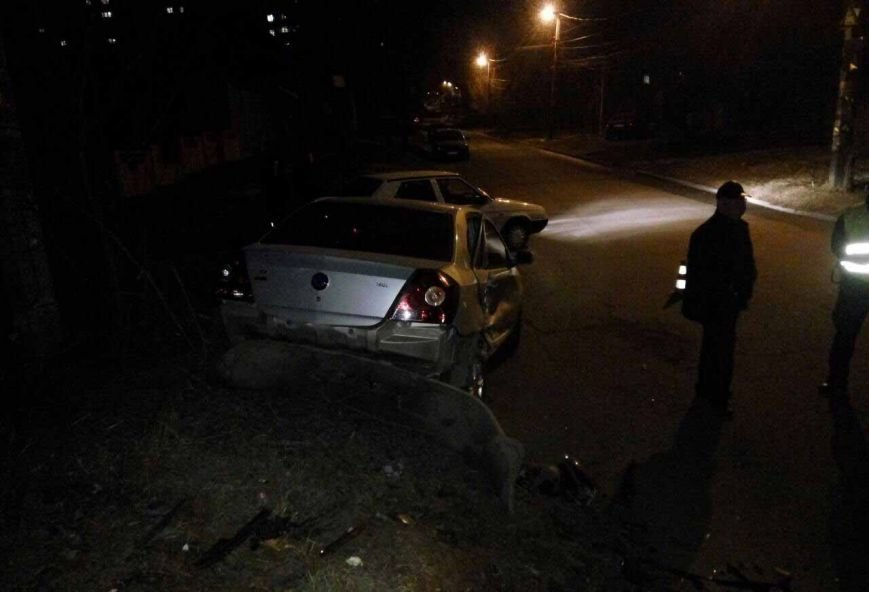 Развороченные иномарки: в Днепре в результате ДТП пострадал водитель (ФОТО), фото-2