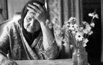 У Сваляві дочка вигнала на вулицю свою маму-пенсіонерку із власного будинку: відео, фото-1