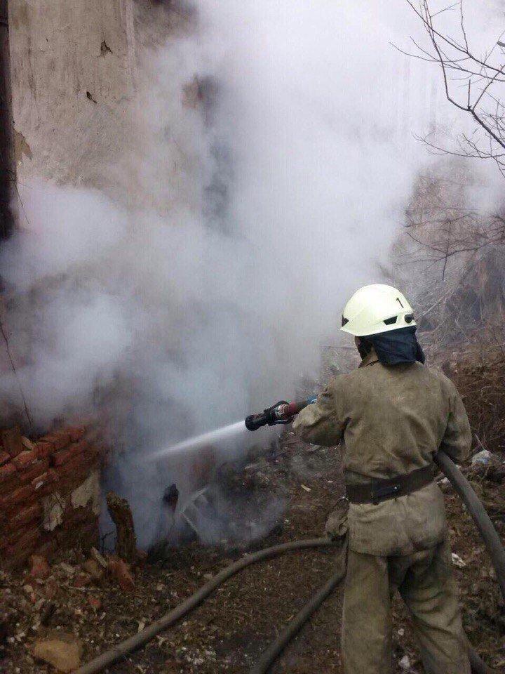 В Днепре горело заброшенное здание (ФОТО), фото-3