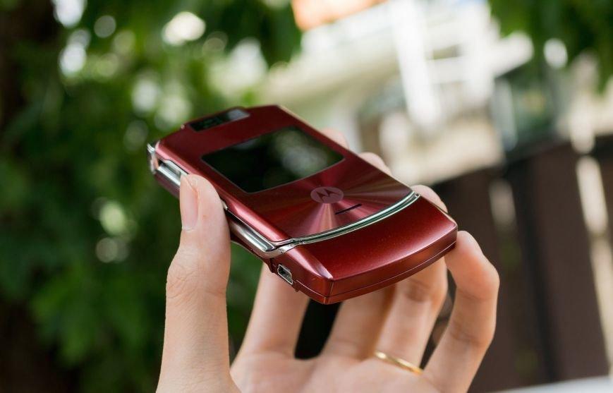 Возрождение легенды Motorola RAZR V3, фото-2