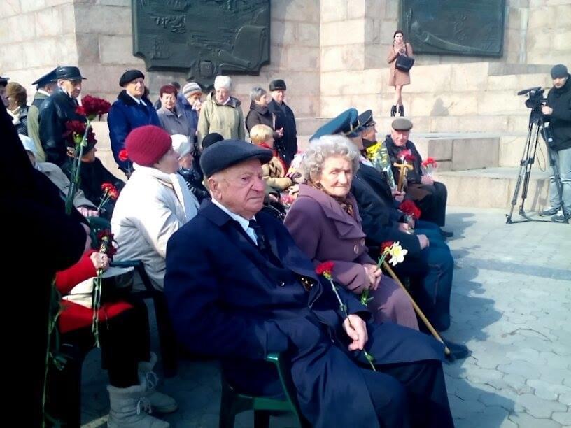 В Херсоне проходит церемония в честь 73-й годовщины освобождения нашего города от немецко-фашистских захватчиков (фото), фото-1