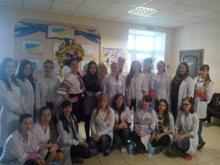 У Новоград-Волинському медичному коледжі відбулася конкурсно-розважальна програма «Турнір юних Василіс», фото-2