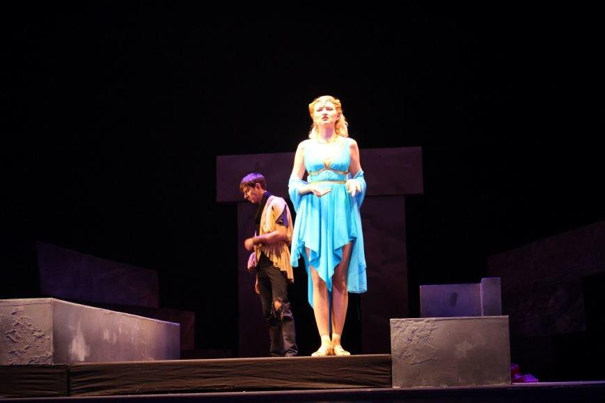 В Каменском театре снова показали «Забыть Герострата», фото-1