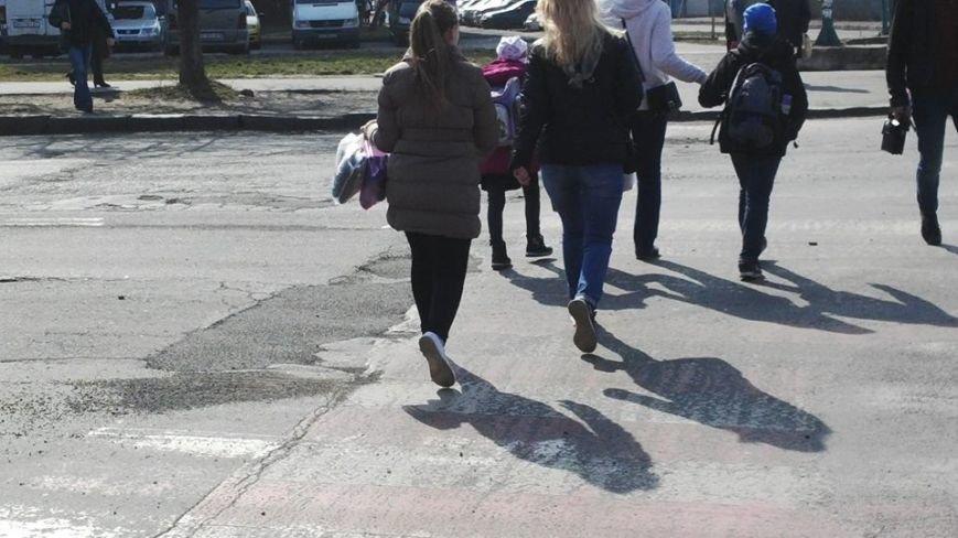 """""""Кидай тото гуно!"""" - в Ужгороді """"відремонтували"""" пішохідний перехід на проспекті Свободи, фото-4"""