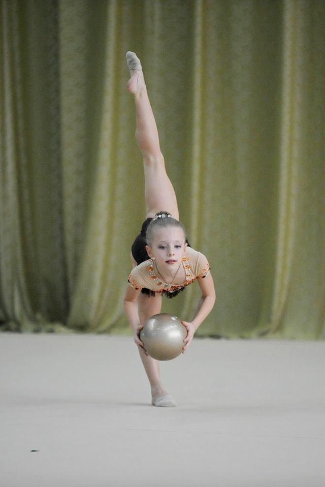 В Каменском прошел турнир по художественной гимнастике «Весенние грации», фото-1