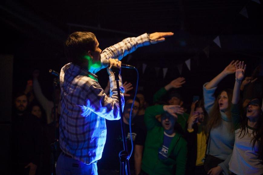 «Спальные районы глубоко во сне». Антоха МС — о голосе молодёжи, импровизации и желании обновляться, фото-1