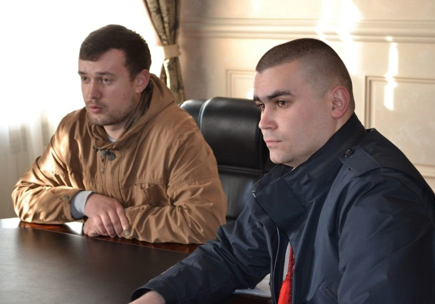 Блокада ОРДЛО: Закарпатська облрада терміново скликає позачергове пленарне засідання, фото-1