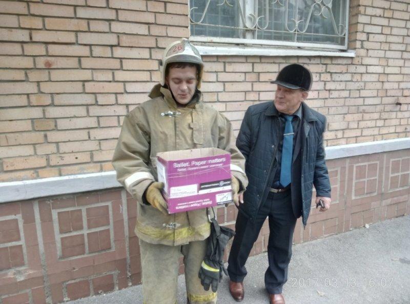 В Ростовской области пожарные спасли совят и устроили с ними фотосессию, фото-4