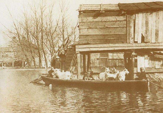 1931-год-Потоп-на-Трухановом-острове-во-время-разлива-Днепра-e1343518655796