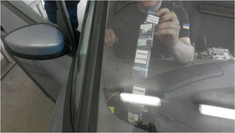 """На Закарпатті за цигаркову контрабанду громадянин Румунії поплатився своїм """"Рено"""": фото, фото-5"""