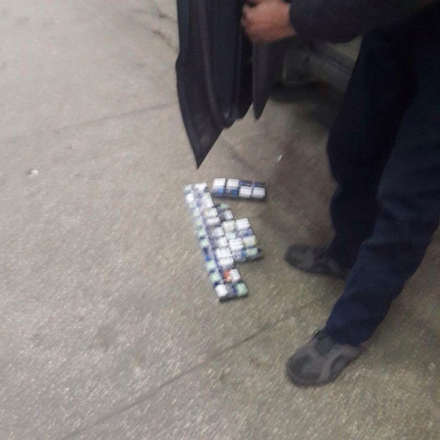 Плани українця відвідати Угорщину з прихованими цигарками розвіялись на Закарпатській митниці: фото, фото-2