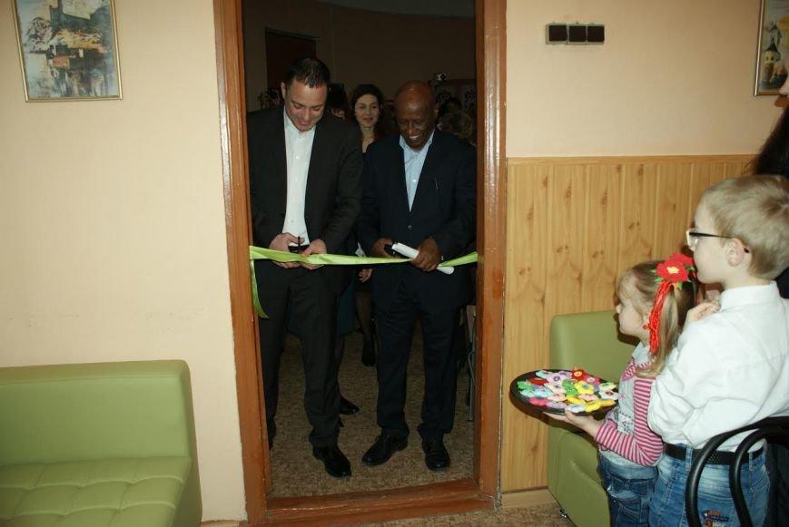 В библиотеке Каменского открыли информационно-ресурсный центр, фото-1