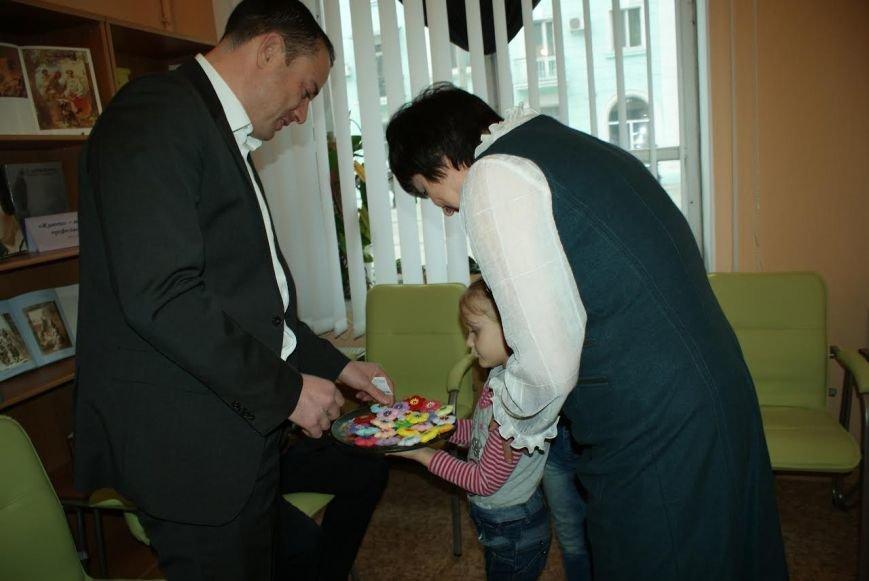 В библиотеке Каменского открыли информационно-ресурсный центр, фото-2