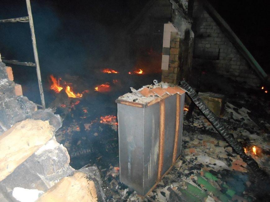 В Новой Каховке горел садовый дом (фото), фото-1