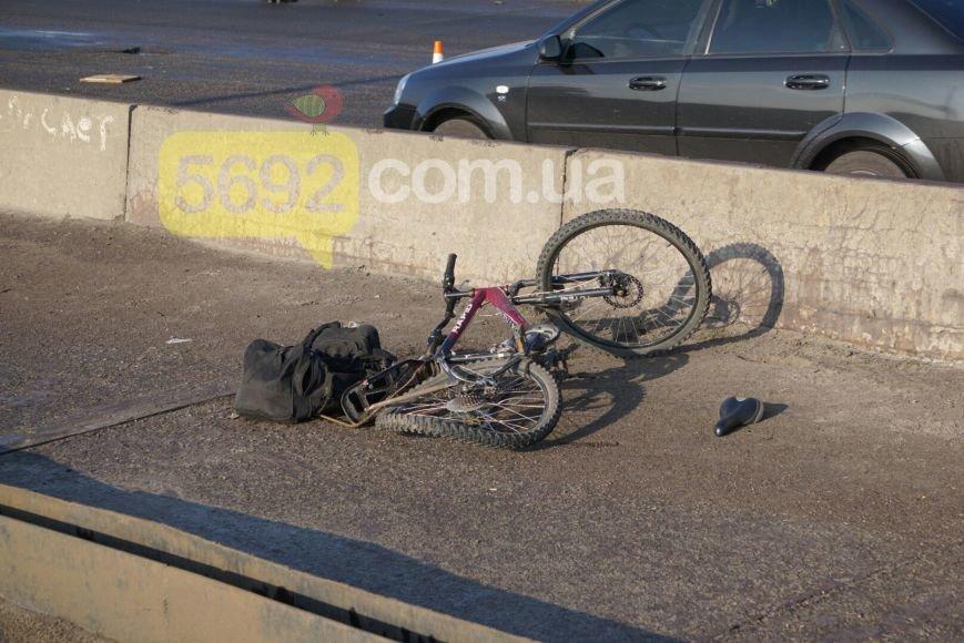 В Каменском вследствие ДТП на мосту пострадал велосипедист, фото-2