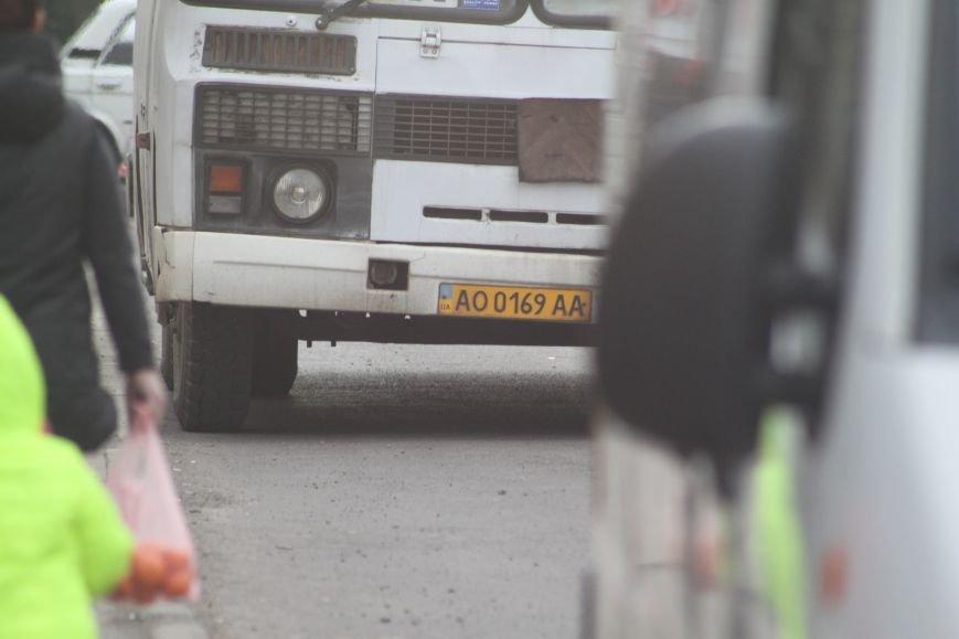 Ревізія ужгородських «маршруток» №10: конфлікт у «ПАЗі», сповідь 3-х водіїв і прохання пенсіонерки (ФОТОРЕПОРТАЖ), фото-1