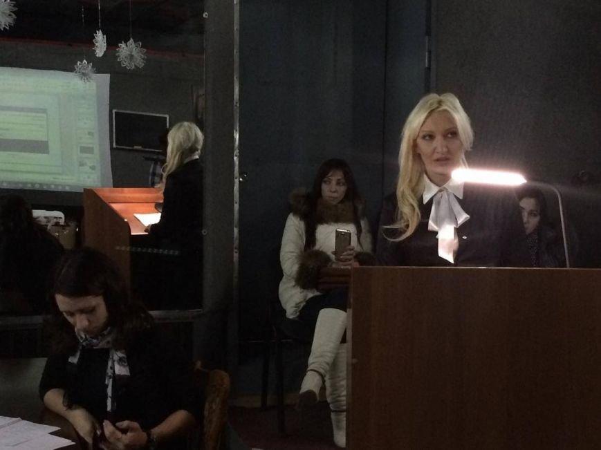 Поющая блондинка Яна Кондрашова возглавит  мариупольский  дворец культуры (ФОТО, ВИДЕО), фото-2