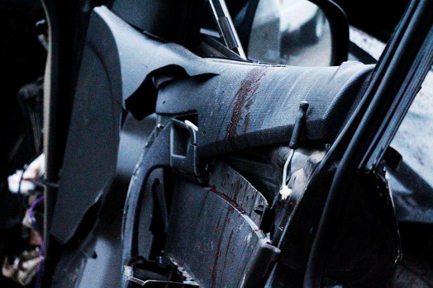 ДТП на Набережной Днепра: погиб водитель и две девушки (ФОТО), фото-2