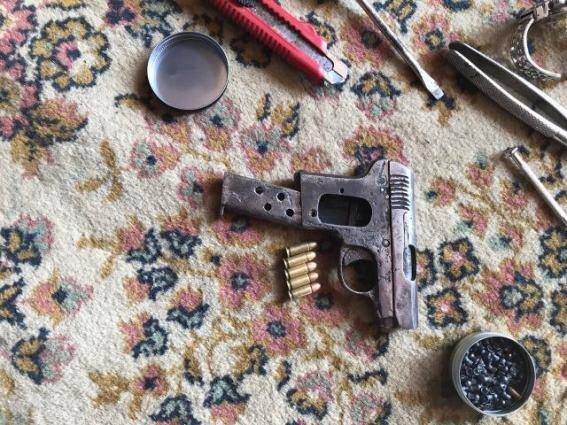 """У будинку ужгородського """"снайпера"""" знайшли арсенал зброї: фото, фото-6"""