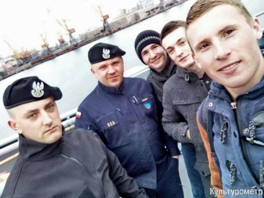 Одесситы выстроились в огромную очередь на корабли НАТО, фото-3