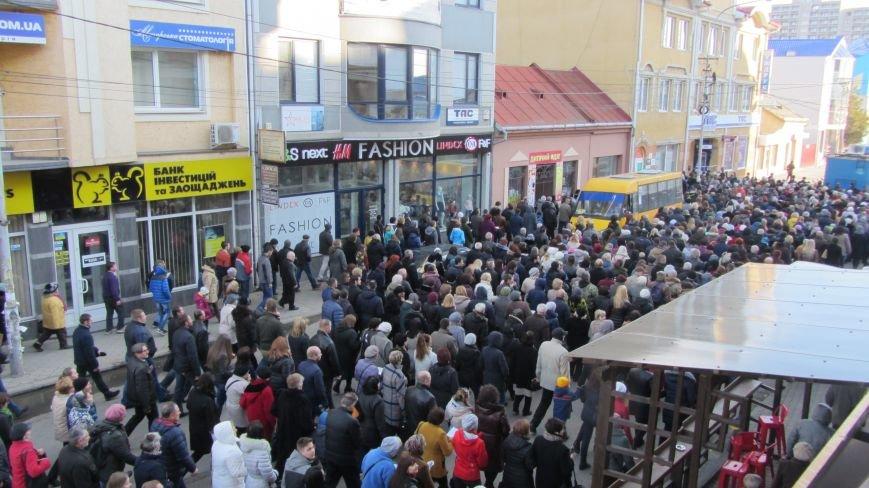 Більше тисячі вірників пройшли Хресною ходою через увесь Ужгород: фоторепортаж, фото-9