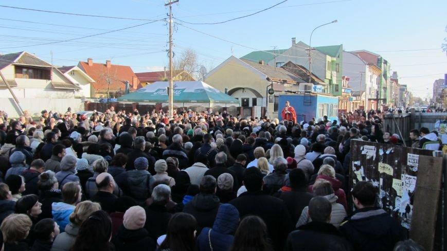 Більше тисячі вірників пройшли Хресною ходою через увесь Ужгород: фоторепортаж, фото-1