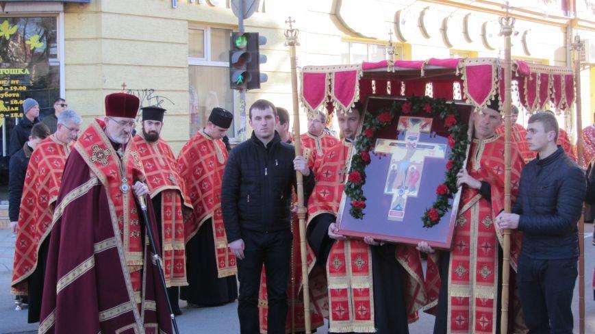 Більше тисячі вірників пройшли Хресною ходою через увесь Ужгород: фоторепортаж, фото-7