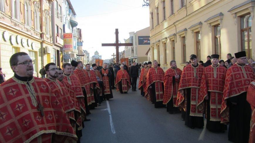 Більше тисячі вірників пройшли Хресною ходою через увесь Ужгород: фоторепортаж, фото-5