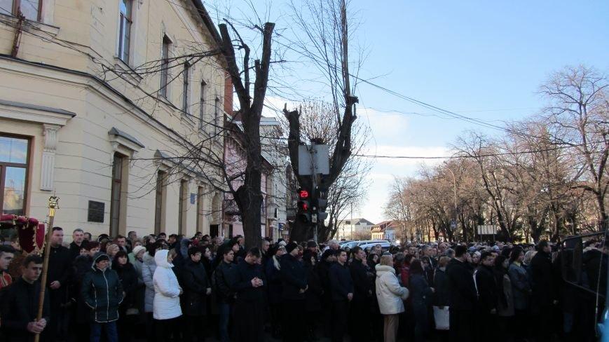 Більше тисячі вірників пройшли Хресною ходою через увесь Ужгород: фоторепортаж, фото-6