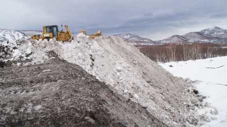 В Петропавловске снежные полигоны заполнены до отказа, фото-1