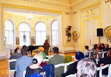 Поэты Черноморска выступили в «Золотом зале» Литературного музея Одессы (фото), фото-1