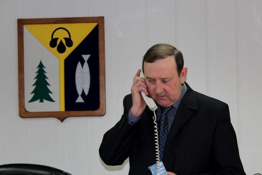 На «прямой телефонный провод» администрации поступило 50 звонков от вартовчан, фото-1
