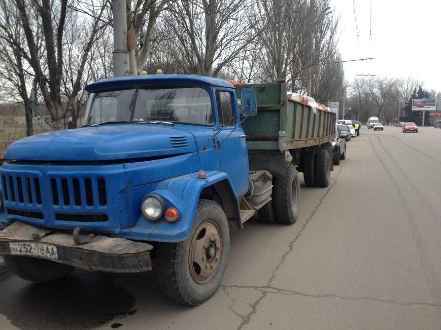 ДТП с пострадавшими: в Днепре грузовик столкнулся с иномаркой (ФОТО), фото-3