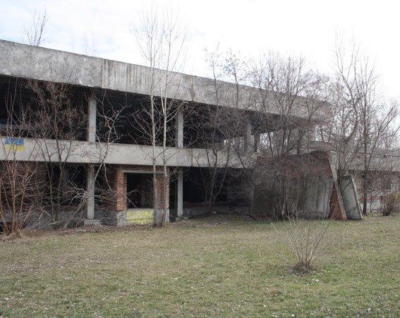 В Кременчуге школьники нашли скелет человека в недостроенном здании (ФОТО), фото-3