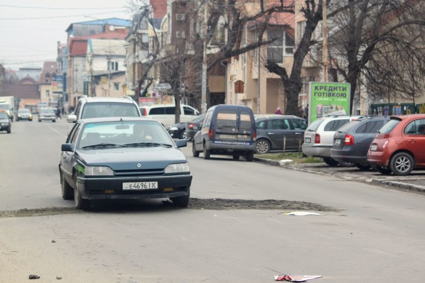 Через будівництво на Швабській діти виходять на дорогу, а водії порушують ПДР: фоторепортаж, фото-19