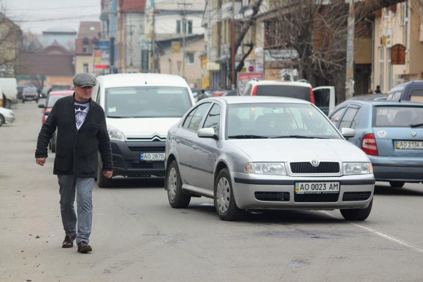 Через будівництво на Швабській діти виходять на дорогу, а водії порушують ПДР: фоторепортаж, фото-17