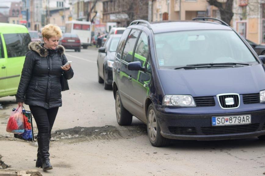 Через будівництво на Швабській діти виходять на дорогу, а водії порушують ПДР: фоторепортаж, фото-20