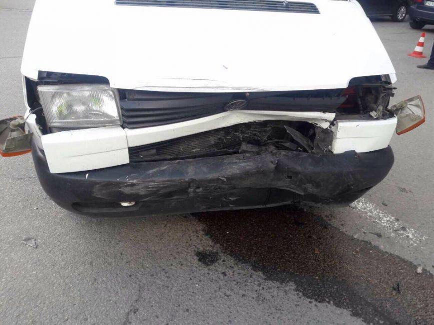 Развороченные авто: в Днепре столкнулись две иномарки (ФОТО), фото-1