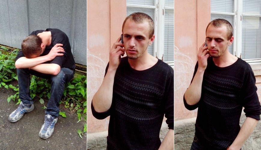 """Ужгородці у соцмережах оприлюднили відео, як чоловік із """"колегою"""" крадуть велосипед із під'їзду, фото-2"""