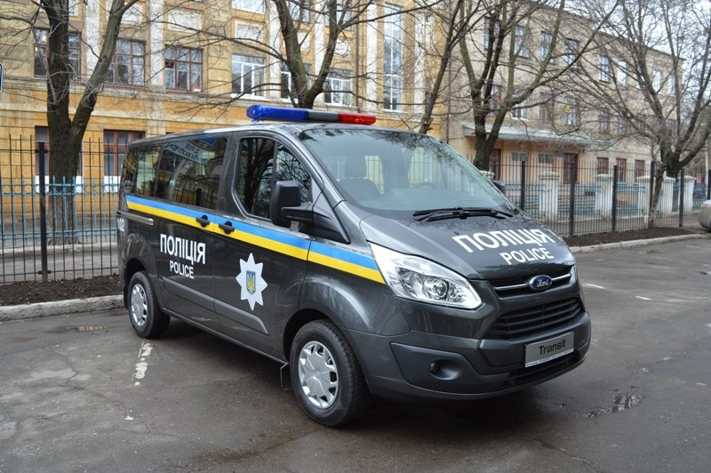 Мэр Краматорска вручил полицейским ключи от современного автомобиля, фото-3