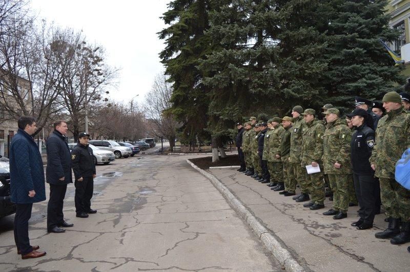 Мэр Краматорска вручил полицейским ключи от современного автомобиля, фото-2