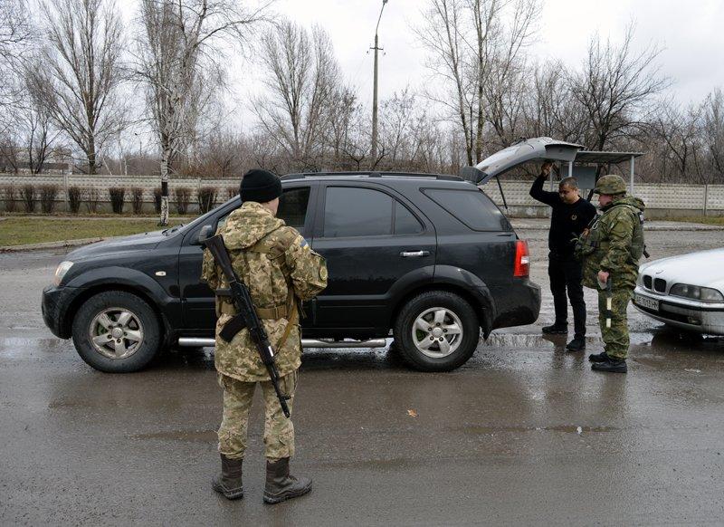 В Покровске за второй день отработки изъяты боеприпасы и наркотические вещества, фото-3
