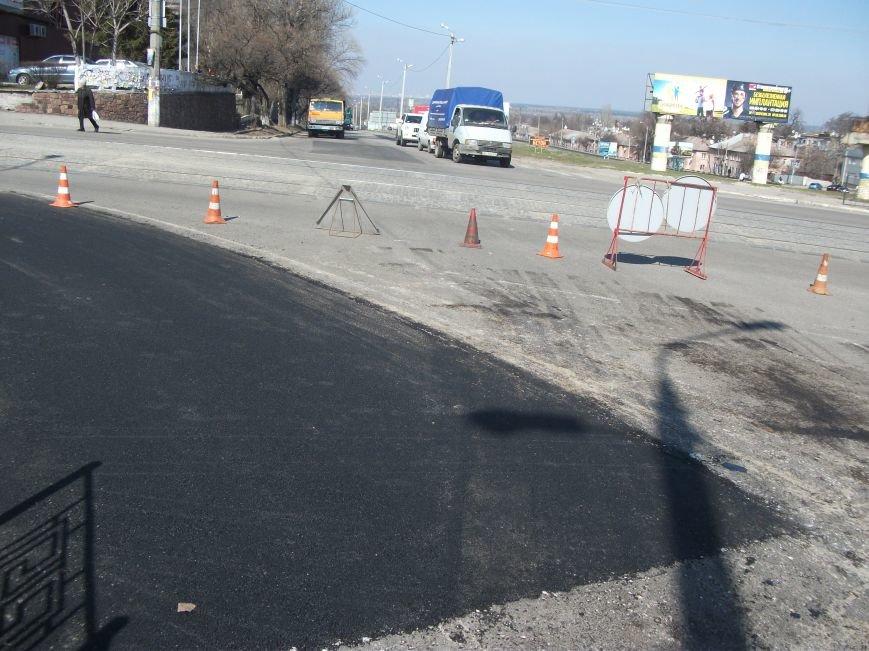 Из-за ремонта дороги на проспекте Аношкина перекрыто движение, фото-1