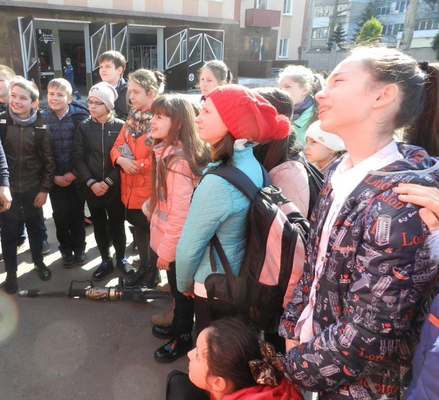 В Херсоні пожежники провели екскурсію для школярів (фото), фото-1