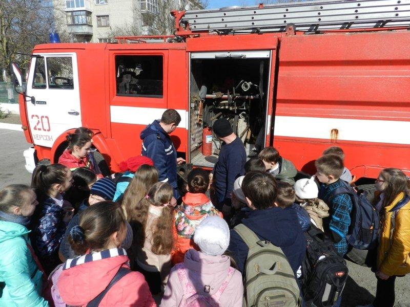 В Херсоні пожежники провели екскурсію для школярів (фото), фото-2